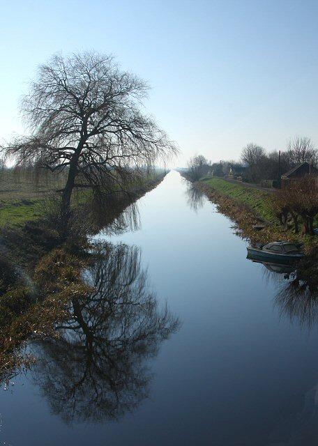Old_Bedford_River_at_Welney_-_geograph.org.uk_-_688607