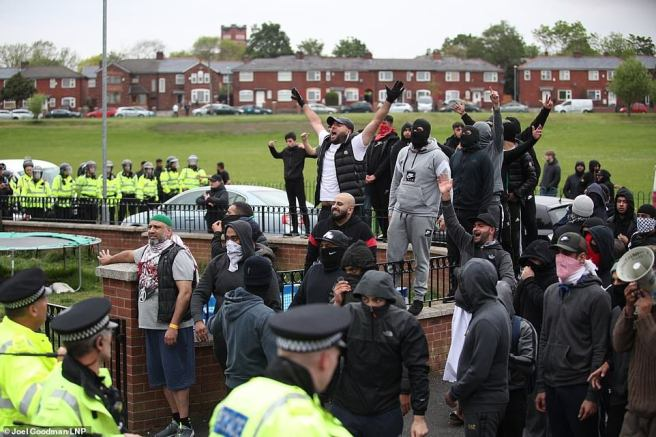 Violence-breaks-out-at-Tommy-Robinson-campaign-event-as-supporters-clash-with-crowds-in-Oldham